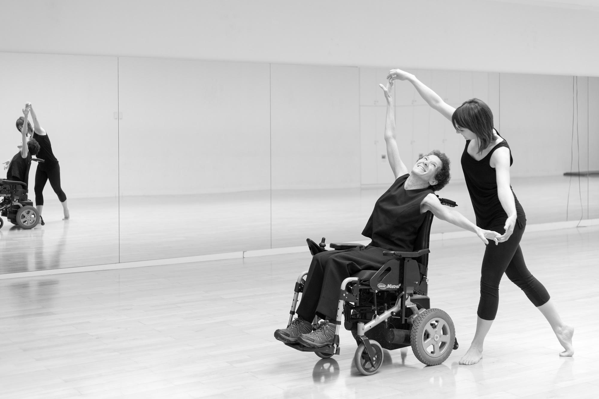 Curso I. Introducción a la actividad física para personas en sillas de ruedas, a través de la danza