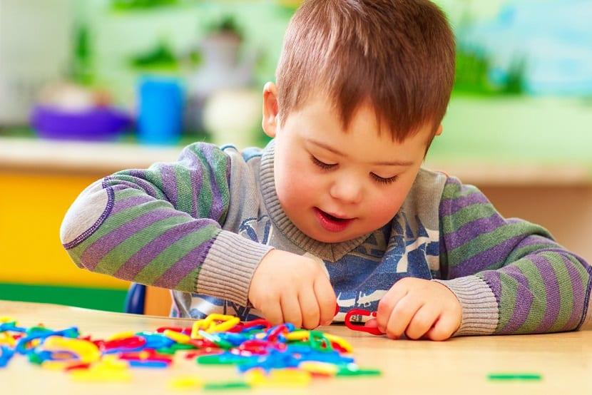 Atención en el servicio de guardería a niñas y niños con discapacidad